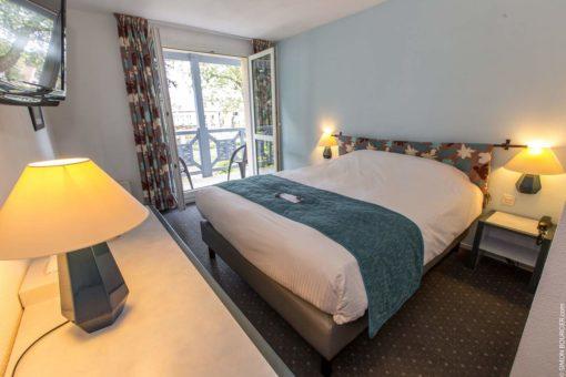 Hotel Restaurant spa Aigue Marine chambre double grand lit balcon