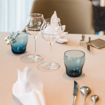 Hotel-Aigue-marine-2019-Restaurant-Dressage-table-Portrait-Minis-49-400x400