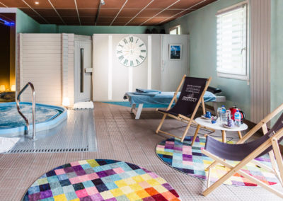 Hotel-Aigue-marine-2019-Spa-Sauna-Jaccuzi-Coin-détente-Minis-42-400x284
